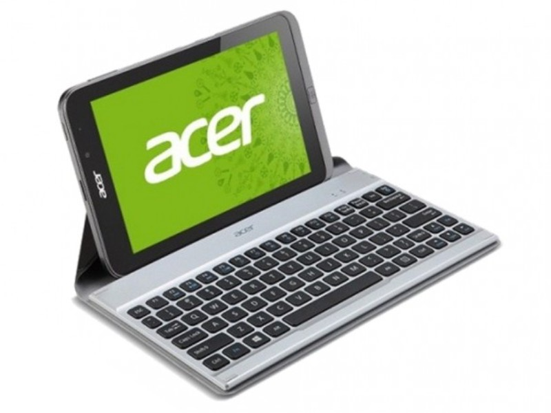 Acer Iconia Tab W4-820 with docking