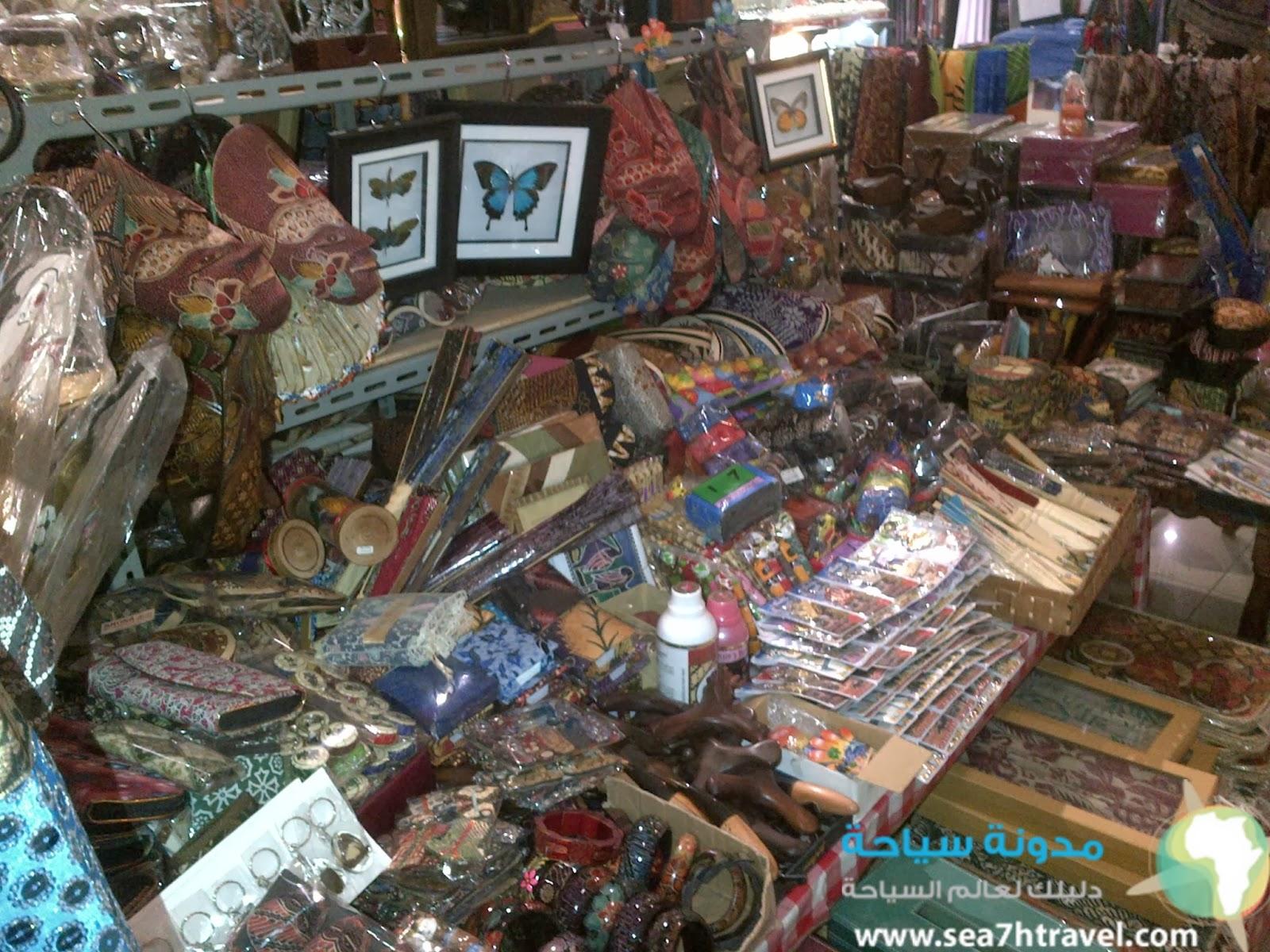 سوق الملابس في جاكرتا