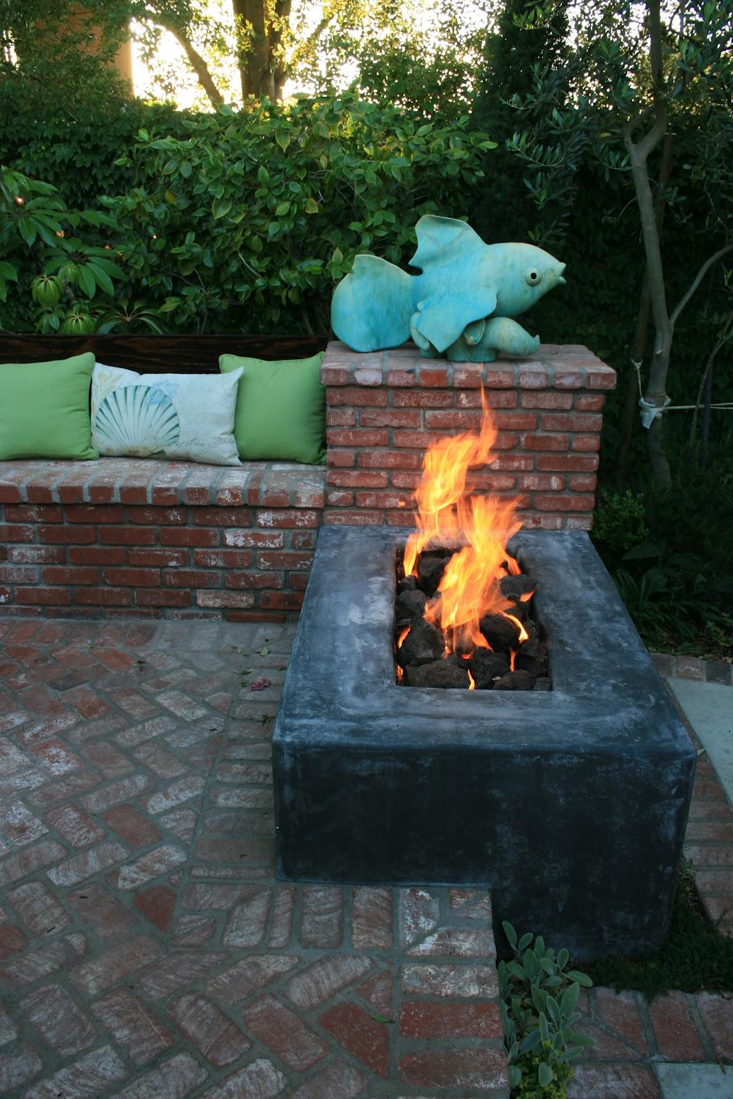 Backyard Bonfire Pit : ciao! newport beach a backyard fire pit