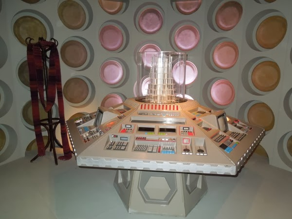 80s TARDIS control room Doctor Who