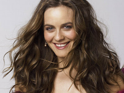 Alicia Silverstone Photos Gallery Wallpapers and Videos