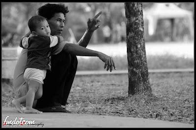 foto Sayang Seorang Ayah Kepada Anaknya