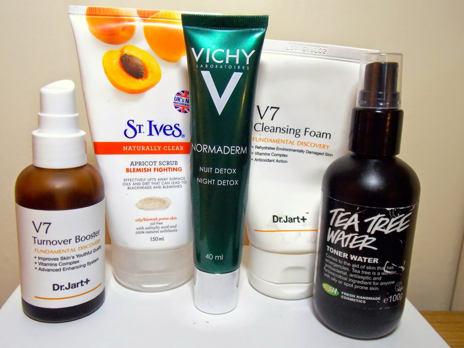 Current favourite skincare vichy, lush, dr.jart+, St.Ives, product review,