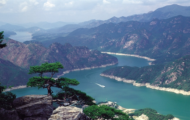 beautiful places to visit korea But many still want to visit and see how the mysterious country works, here is a list of top ten best tourist places in north korea for people who want to intrude in the lives of the average north korean.