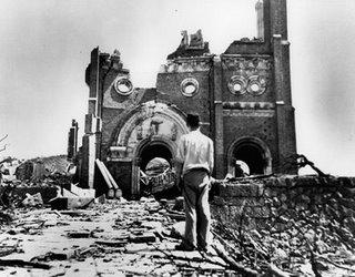 As faláceas mais usadas pelos ateus - Página 10 Igreja+destruida