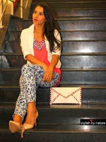http://www.stylishbynature.com/2014/06/fashion-guide-to-style-printed-jeans.html