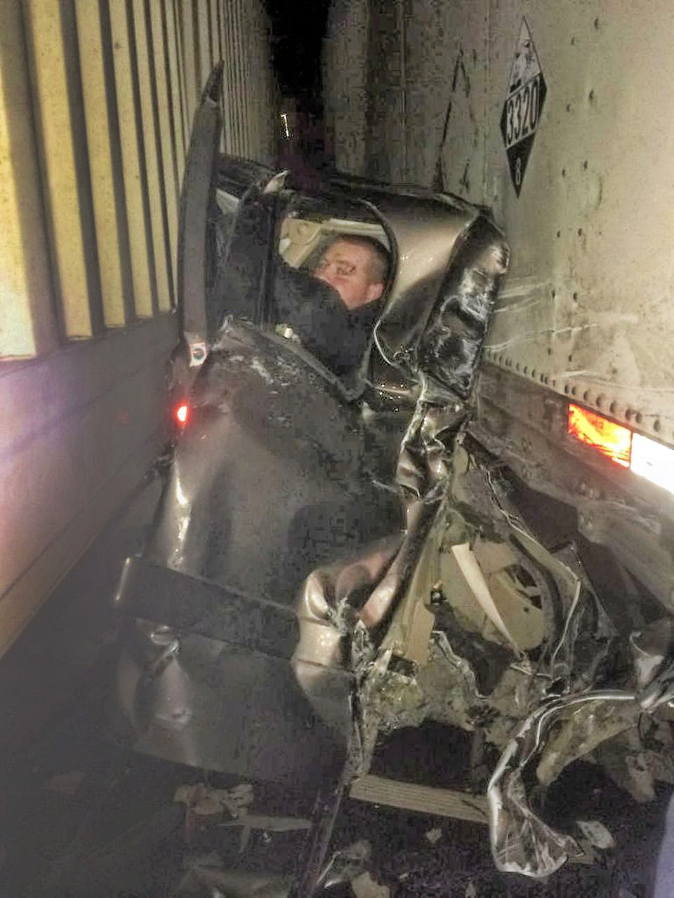 http://www.oregonlive.com/pacific-northwest-news/index.ssf/2015/01/interstate_84_semi-truck_crash_1.html#incart_2box
