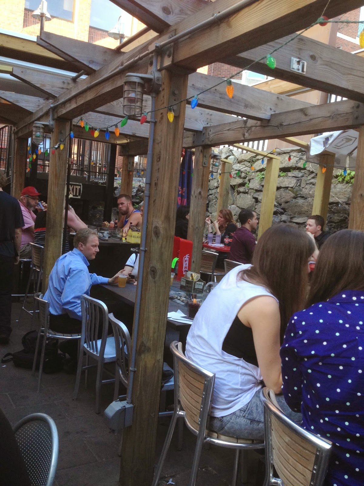 charlies has been one of my favorite summertime spots in harvard square for a long time and now i have a good excuse to go back more often - Charlies Kitchen