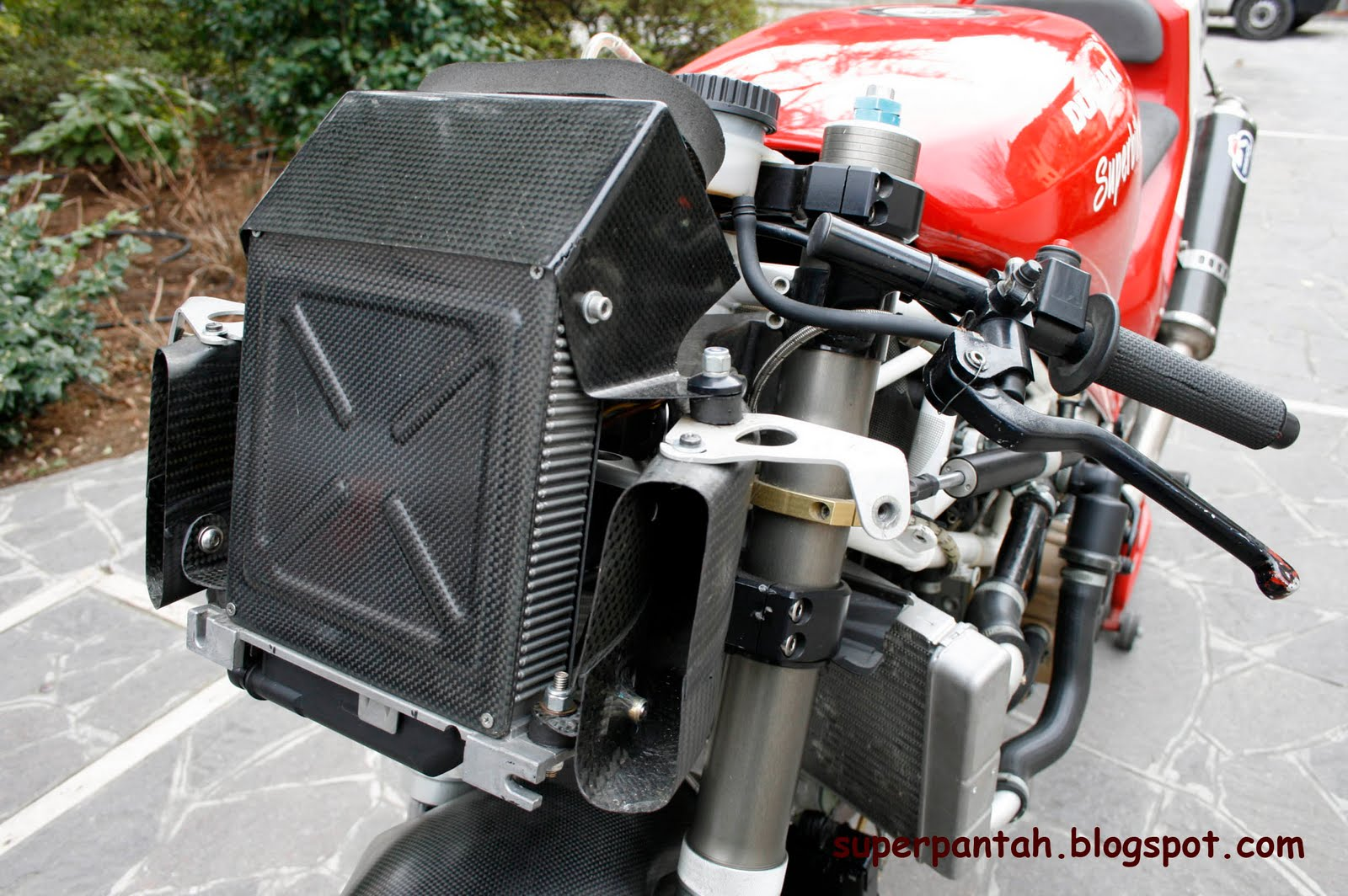 Ducati 851-888 - Page 2 888%2BRacing%2B%25286%2529