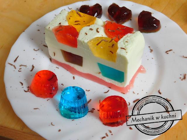 galaretkowe ciasto szybki i lekki deser ciasto na zimno Kinderbal galaretkowiec przepis galaretkowiec bez gotowania galaretkowiec galaretki ciasta galaretkowiec ciasto z galaretek i serków homogenizowanych  z jogurtem galaretkowiec z mlekiem