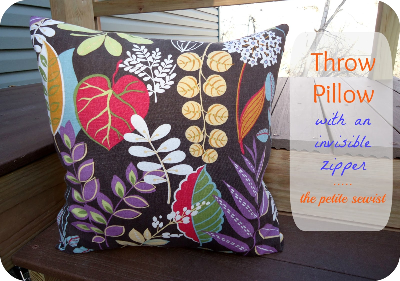 Throw Pillow Invisible Zipper : The Petite Sewist: Tutorial: Throw Pillows with Invisible Zipper