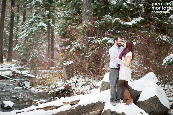winter snow engagement session yakima