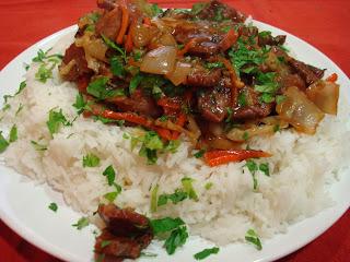 Salteado de ternera oriental con arroz