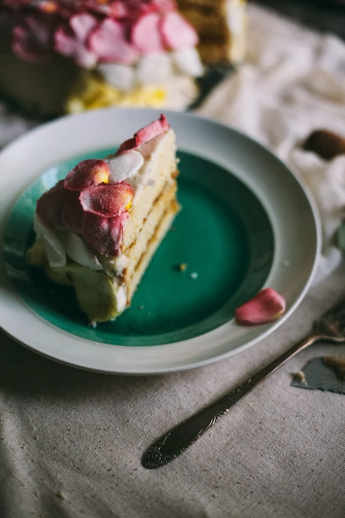 An Edible Flower Workshop & Salted Caramel Rose Cake