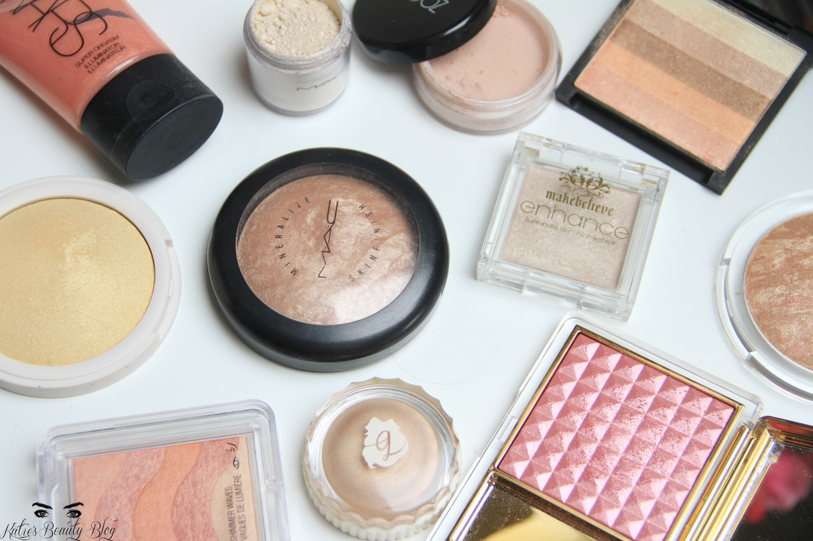 Makeup Revolution Blush & Contour Palette — Hannah Heartss
