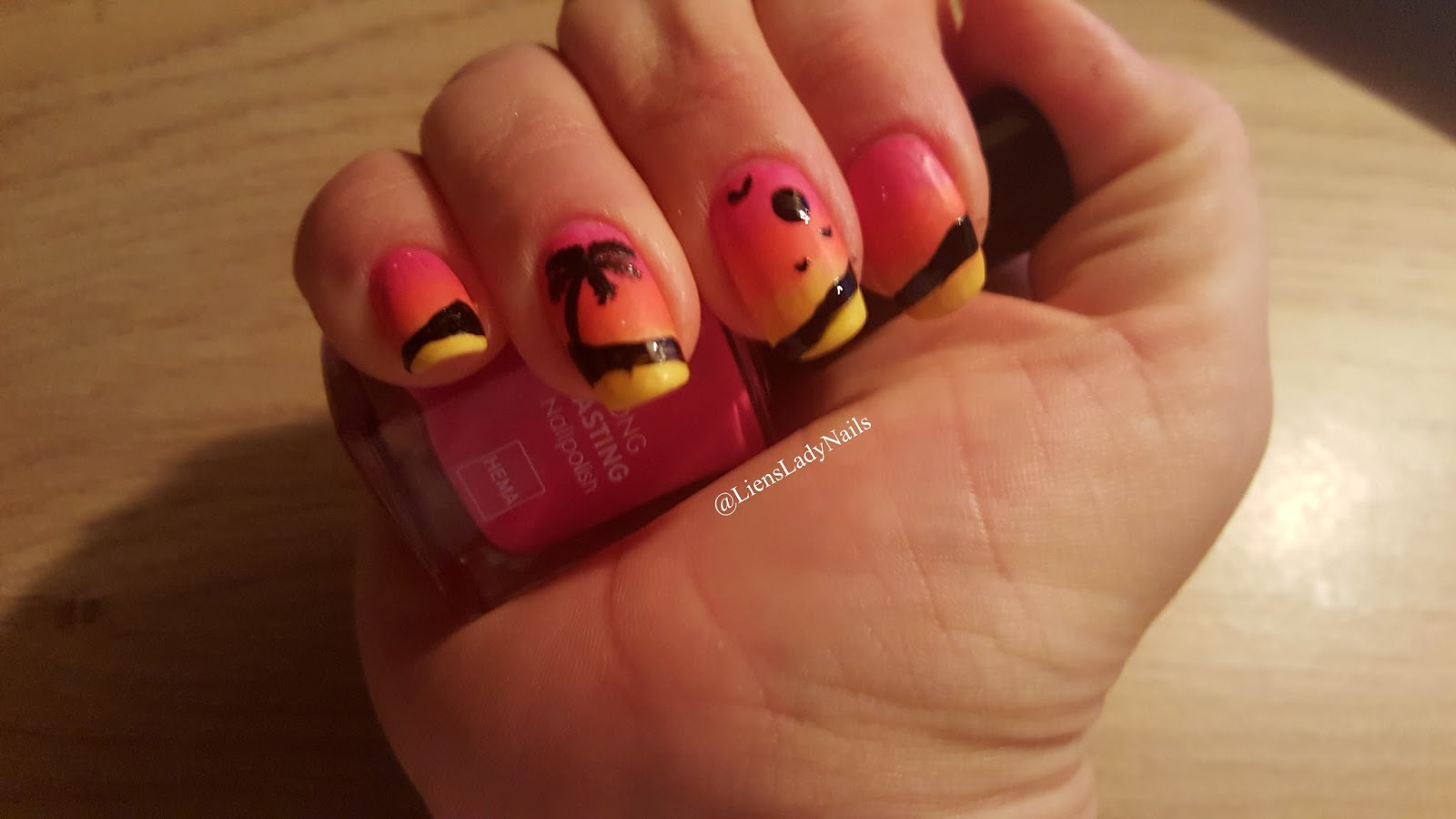 MoreLiensLadyNails: A final palm tree before the end of the summer ...