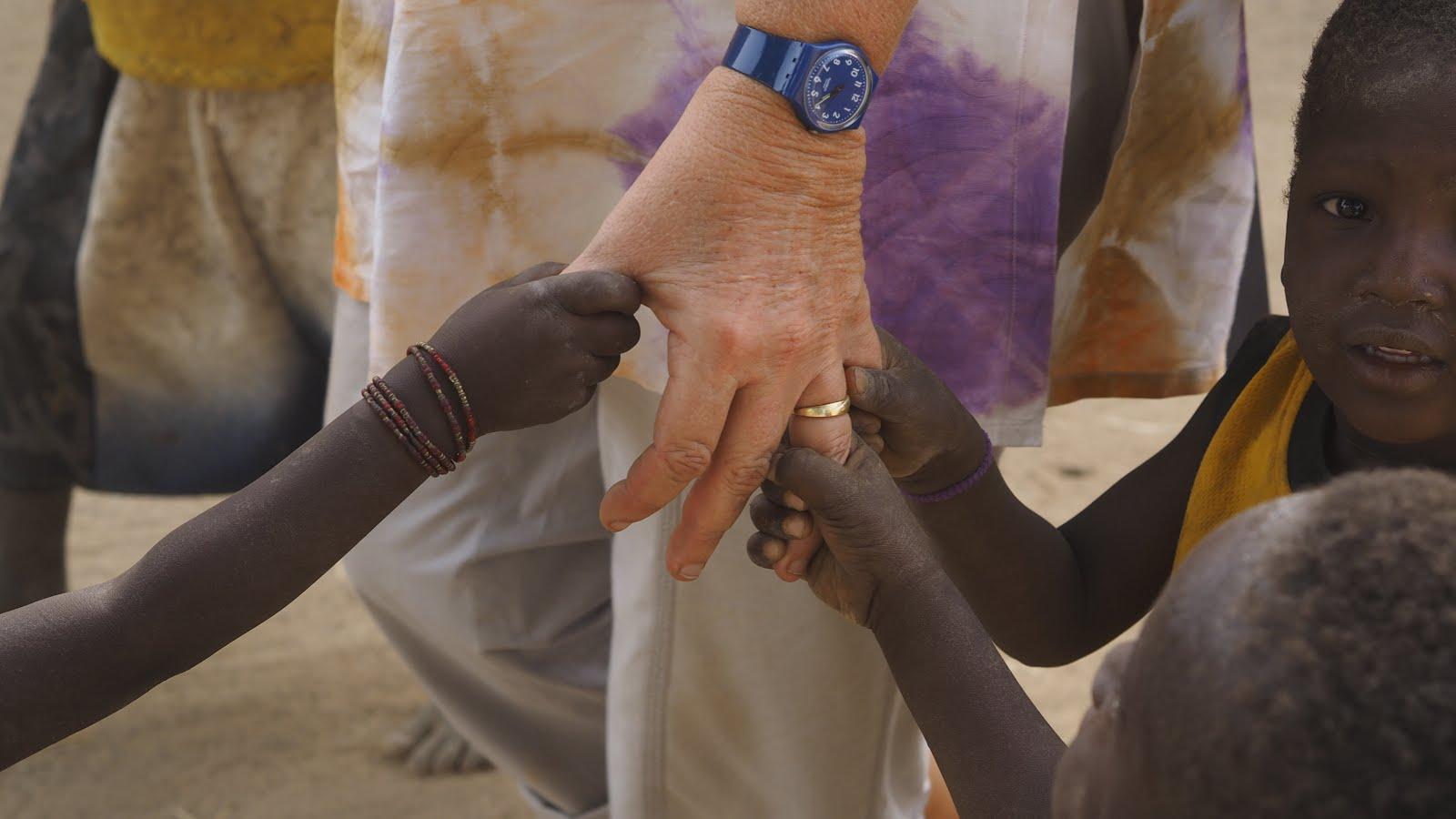 Handen in Mali