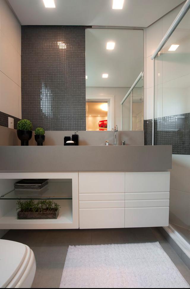 decoracao lavabos fotos:Lavabo com bancada em silestone cinza + pastilhas na parede e piso na