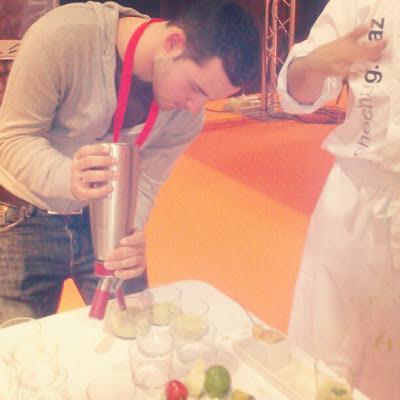 Chef Orielo con el sifón de Cocineros 4.0 Gastrotur Granada