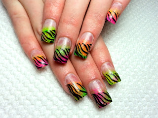 Hot Animal Print Nail Art