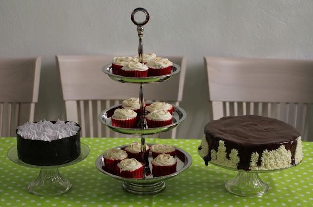 Tarta de Oreo y fresa, carrots cupcakes y tarta de queso y chocolate