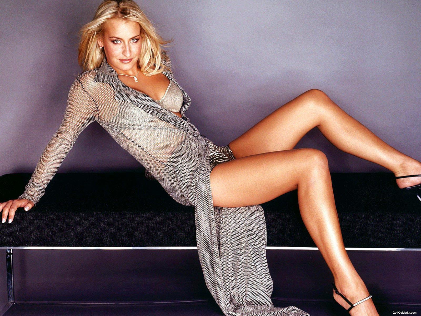 beauty celebrity: Sarah Connor hot