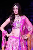 Kriti Sanon latest glamorous raml walk-thumbnail-5