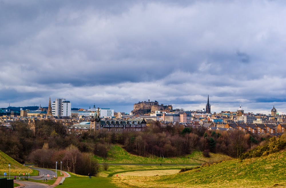 landscape of the city of edinburgh