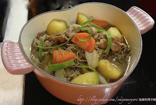日式馬鈴薯燉肉 (肉じゃが) (附食譜)【深夜食堂煮婦同樂會】第一彈