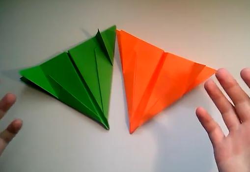 C mo hacer un avi n bombardero de papel papiroflex a for Papel decomural para ninos