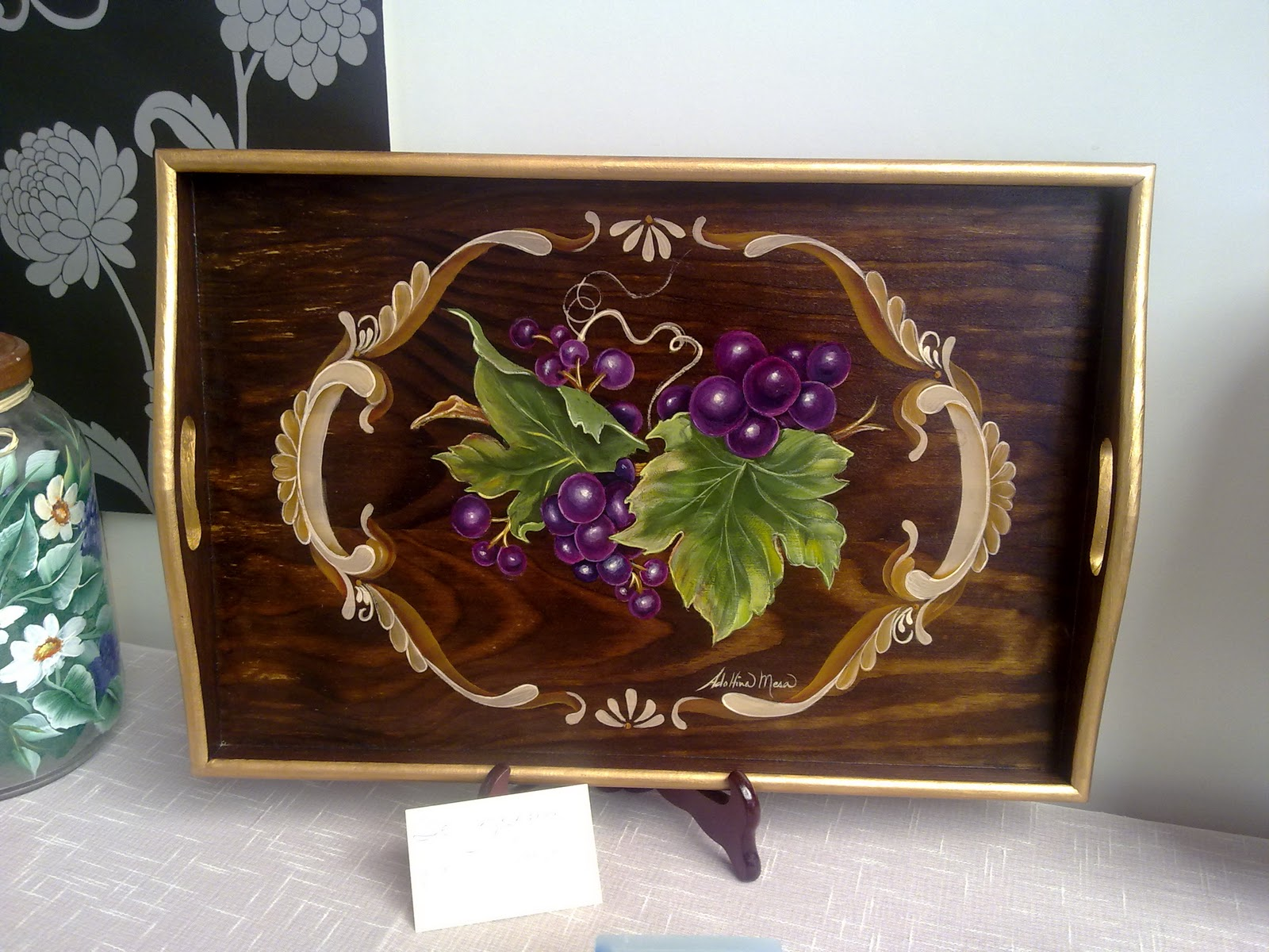 Adolfina mesa bandejas de madera decoradas y pintadas a mano for Bandejas de madera