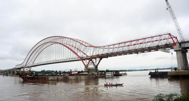 SBY Akan Temani Jokowi Resmikan Jembatan Trans Kalimantan.