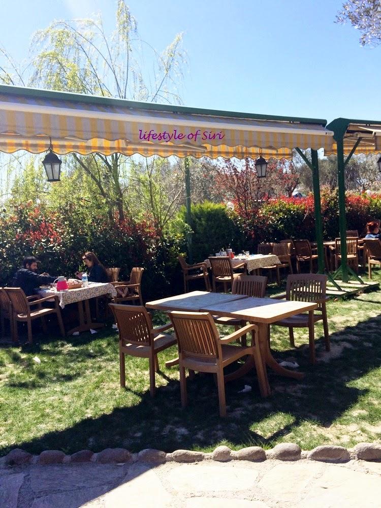 Kahvaltı Mekanı Tavsiyesi: Çiçekli Köy- Köyüm Bahçe
