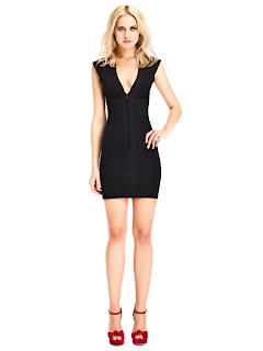 kısa siyah abiye modeli, seksi görünüm, özel geceler için oldukça uygun bir model