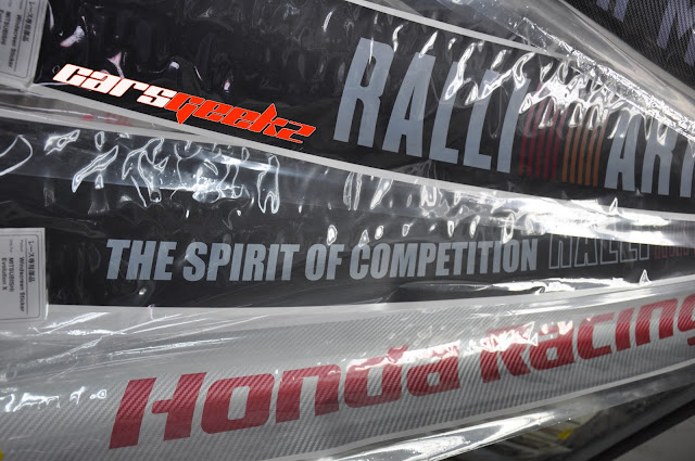 Honda Racing Carbon - the spirit of competition windscreen