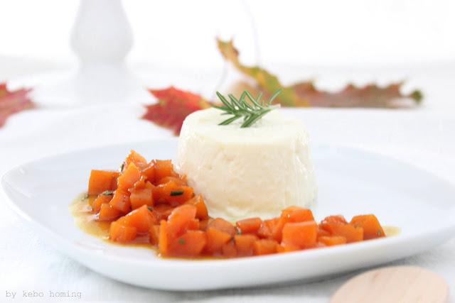 Ein herbstliches Dessert Rezept aus der Küche des Südtiroler Foodblogs kebo homing, eine Panna Cotta mit Kürbiskompott vom Muskatkürbis, ein herbstlicher Nachtisch für unser Sunday Lunch, Foodstyling und Fotos von kebo homing