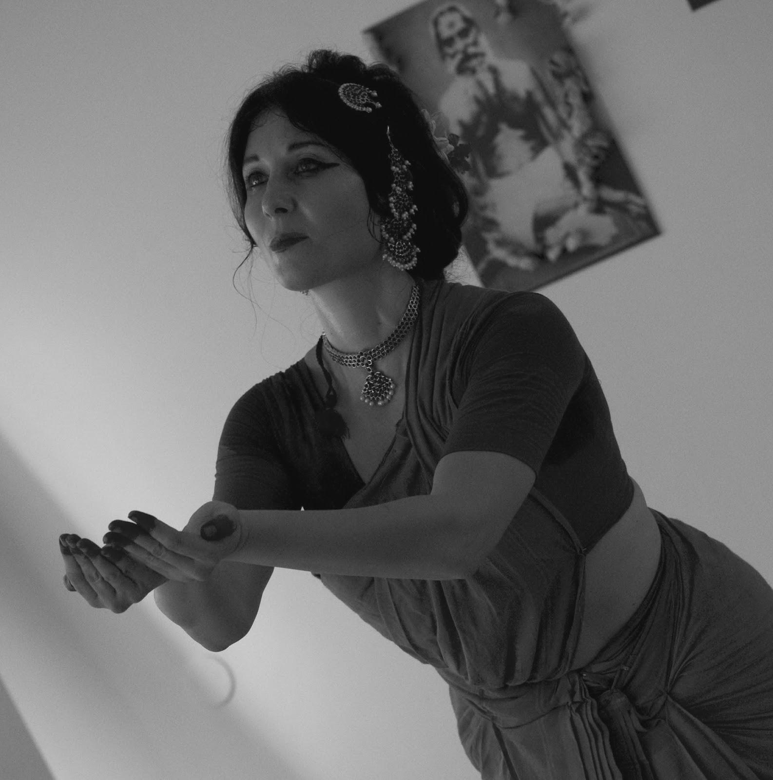 Maria Luisa Sales danza Bharata Natyam