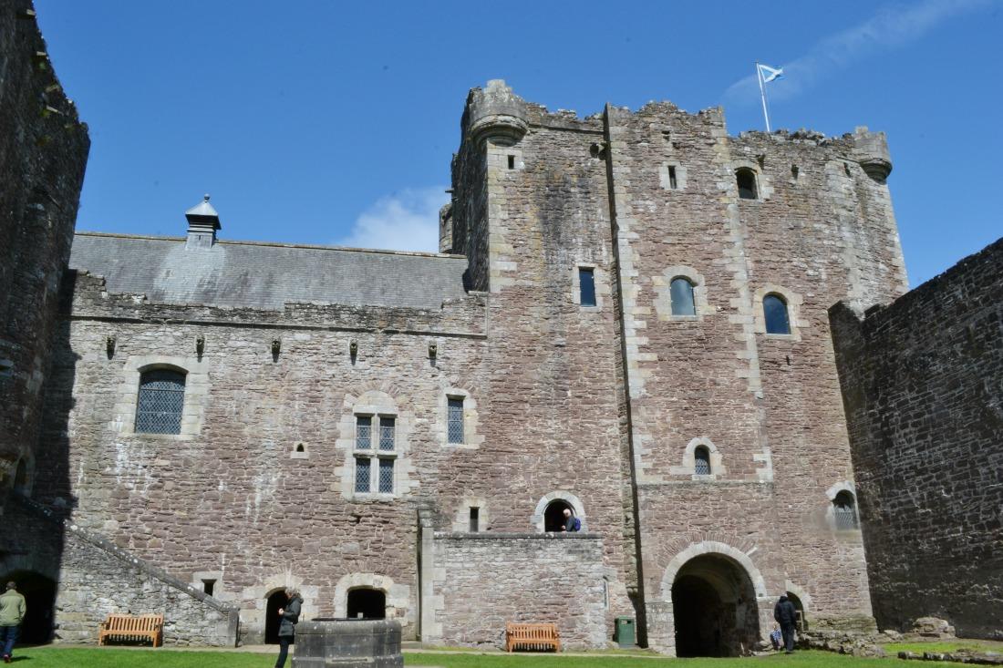 doune castle exterior inside walls