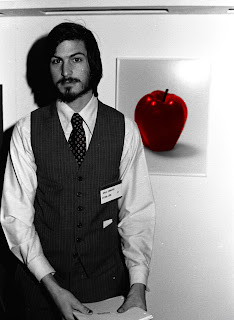 Steve Jobs Young Photo HD Apple Wallpaper