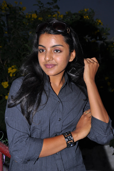 divya nagesh from , divya new hot images