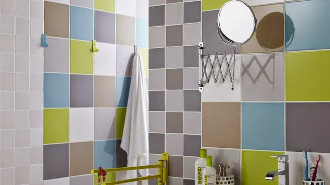 Bathroom Tile Designs In Green, Blue, Gray And Pale Blue Color Combination