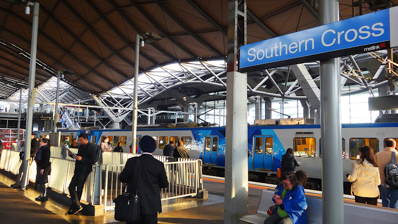 how to get to south wharf dfo from southern cross