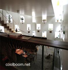 Interior de casa vanguardista alemana versión ultramoderna de chalé
