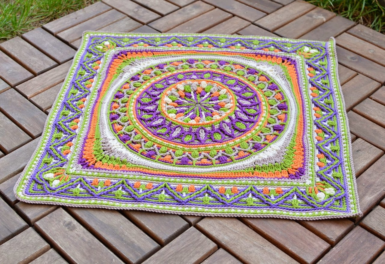 Square Mandala in overlay crochet