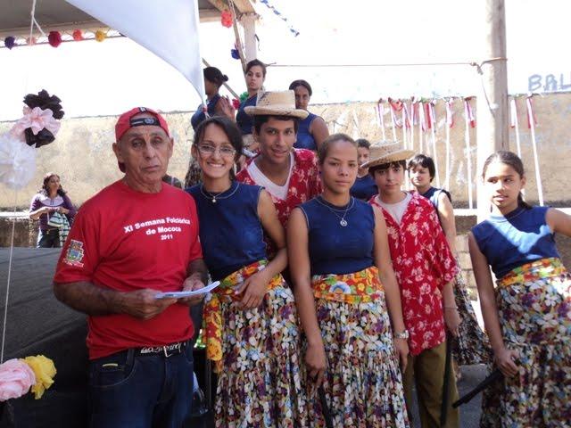 Saraiva e Grupo Folclórico Raízes