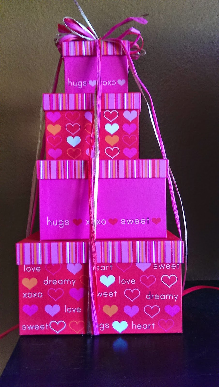 The%2Bheart%2Bgift%2Btower Creative Valentine's Day Food Gifts For Men and Women - Gift Baskets