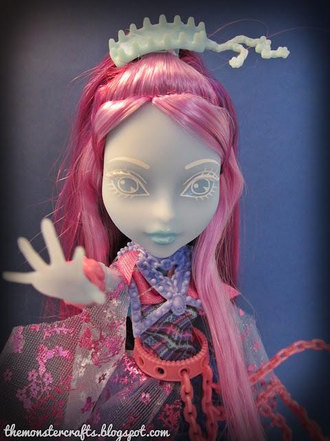 Monster High Haunted Kiyomi Haunterly