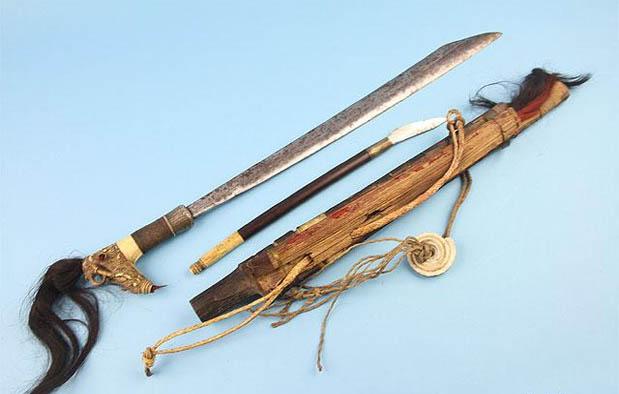 Senjata Tradisional Khas Indonesia