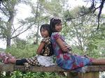 Dua Gadis Kecilku