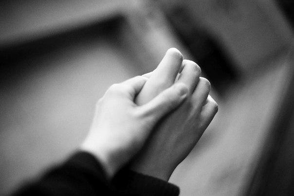 Покойник протягивает мне свои руки 5